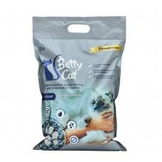 Betty Cat,комкующий наполнитель для кошачьего туалета с активированным углем,5л.(4 кг.)